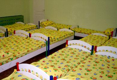 Кровати для дошкольных учреждений в Доме ребенка